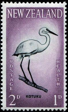 New Zealand Kotuku (aka White Heron) stamp New Zealand Houses, New Zealand Art, Vanuatu, Commonwealth, Nz All Blacks, Moving To New Zealand, White Egret, World Birds, Nz Art