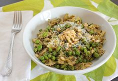 APPLE A DAY: Pasta with Mint Pesto, Peas, and Edamame #MeatlessMonday