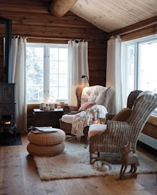 White trim and creamy white curtains. White Baseboards, Cozy Cabin, Inspired Homes, Log Homes, Interior Design Living Room, Interior Inspiration, Family Room, Sweet Home, Room Decor