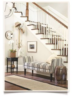 Image from http://howtodecorate.com/wp-content/uploads/083012_ss_foyer4.jpg.