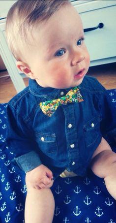 DIY bow tie NO SEW - alternatives. Crochet Wreath, Diy Crochet, Diy Bow, Diy Hair Bows, Diy Finger Knitting, No Sew Bow, Felt Kids, Plastic Canvas Ornaments, Diy Headband