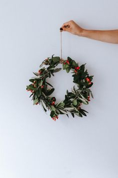 Plastic Free Christmas Best Picture For DIY Wreath farmhouse For Your Taste You are looking for some Primitive Christmas, Noel Christmas, Winter Christmas, Christmas Wreaths, Christmas Crafts, Christmas Decorations, Holiday Decor, Xmas, Christmas Berries
