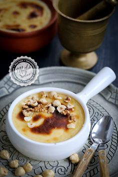 Milk Halva - Kitchen Secrets - Practical Recipes Source by esraamzn Turkish Recipes, Italian Recipes, Vegan Recipes, Food N, Food And Drink, Turkish Sweets, Fish And Meat, Food Platters, Fresh Fruits And Vegetables