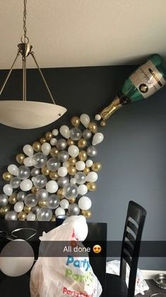 Plan an awesome birthday party for her with gold and champagne foil balloons. Silvester Love Gold Foil Balloons for Wedding Bridal Shower Hen Party Party Silvester, Champagne Balloons, Champagne Party, Champagne Birthday, Champagne Gifts, Gold Champagne, Ballon Party, Hen Party Balloons, Balloon Decorations