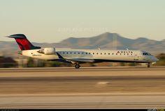 N613QX Delta Connection Canadair CRJ-700