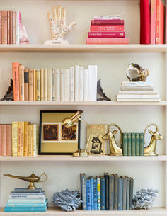 Stunning Bookshelf Styling: 132 Best Practice Ideas www. Stunning Bookshelf Styling: 132 Best Practice Ideas www.futuristarchi… Stunning Bookshelf Styling: 132 Best Practice Ideas www. Styling Bookshelves, Decorating Bookshelves, Bookshelf Design, Bookshelf Ideas, Books On Shelves, Bookcases, Apartment Bookshelves, Office Bookshelves, Bookshelves In Bedroom