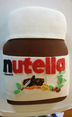 fans nutella and pots on