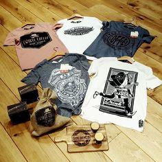 Goedemorgen tijd voor een bakkie  super vet T-shirt label binnen voor jullie mannen Zwarte Coffee van Nederlandse bodem. Met de hand gemaakt elk item is genummerd en uniek een eerlijk en verantwoord product.  #zwartecoffee #T-shirt #menfashion #newbrand #stayontop #workharder #skyhigh #stayenergized #helmet #freedom&honor