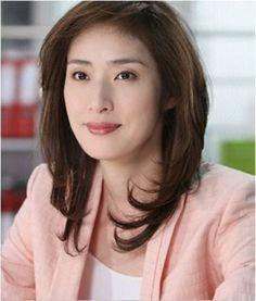 理想の上司像 かっこいい女優天海祐希さんの画像から学ぶスーツの着こなし方   ギャザリー(2ページ目)