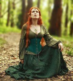 From @dhyngetal - 🍃 PH @rafaelohana / @ohana_gwen Corset @saturninecorsets  #dhyngetal #elvish #elven #medieval #corset #redhead #ruiva #green #verde #forest #floresta #nature #natureza #gypsy #ginger #fairy #witch #stregafashionbrasil #stregafashion - #larp  #costume #larping
