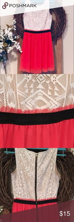 Sleeveless Aztec Midi Lace bodice with tan underlay❤️elastic waist❤️exposed back zipper❤️like new❤️ Dresses Midi