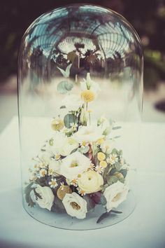 flowers+glass dome