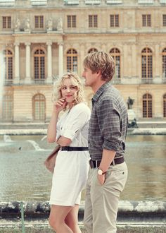 Owen Wilson and Rachel McAdams appeared in Wedding Crashers and now in Woody Allen's, Midnight in Paris. We spoke with Rachel McAdams above her role. Woody Allen, Versailles, Cannes, Midnight In Paris, Paris Movie, Elle Mexico, Travel Movies, Time Travel, Good Movies To Watch