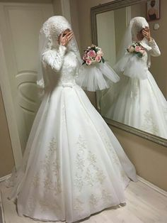 Muslim Wedding Gown 2019 - Pictures of Wedding Dress and Lipstick Muslim Wedding Gown, Hijabi Wedding, Muslimah Wedding Dress, Muslim Wedding Dresses, Muslim Brides, Bridal Dresses, Muslim Couples, Dress Muslimah, Wedding Hijab Styles