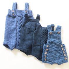 En liten samling blå rompere #kalinkaromper #kjappstrikkadrakt #babydrakt #romper #ministrikk #paelas #knit #instaknit #strikke