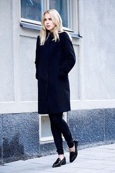 all black... all chic... http://rstyle.me/n/9mgnqmn