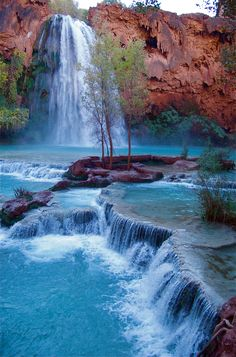 Even though I have lived in AZ and have been to the Grand Canyon.I have never seen Havasu Falls, Grand Canyon National Park. Places Around The World, Oh The Places You'll Go, Places To Travel, Places To Visit, Hidden Places, Travel Destinations, Grand Canyon National Park, Parc National, Canyon Park