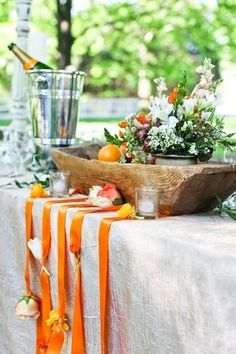 Outdoor Banquet Table, love it! Photo courtesy of Cedarwood