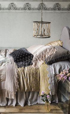 We have put together some of Bella Notte Linen's most beautiful bedding sets to… Bedding Sets Online, Luxury Bedding Sets, Luxury Linens, Comforter Sets, Romantic Bedding Sets, King Comforter, Ideas Dormitorios, Luxury Bedding Collections, Bed Linen Sets
