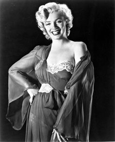 Marilyn photographed by Ernest Bachrach, 1952