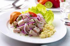 Seviçe diye okunan, Peru`da neredeyse adım başı satılan bu yiyecek, Peru`nun milli yiyeceği olarak görülüyor. Tarifiyse çok basit; Taze çiğ balıklar, narenciyeyle marine edilip, soğan, acı biber ve tuzla karıştırılıyor. Tazelik önemli bir detay olduğu için, hazırlanır hazırlanmaz servis edilir. Tercih edilen balık türü genellikle levrek olup, tabakta ek olarak, patates, marul ve avokado sunulabiliyor. #Maximiles