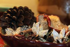 """An easy and inexpensive to make your home smell wonderful through the fall and holiday season is potpourri. Here is a collection of homemade potpourri recipes to get you started. [View the story """". Fall Potpourri, Homemade Potpourri, Potpourri Recipes, Pot Pourri, Rustic Fall Decor, Fall Scents, Orange Slices, Apple Slices, Apple Pie"""