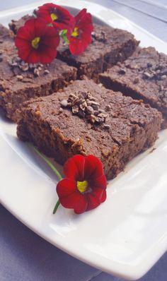 Suklaiset browniet kesäkurpitsasta! (vegaani, sokeriton, gluteeniton) | Terveelliset herkut