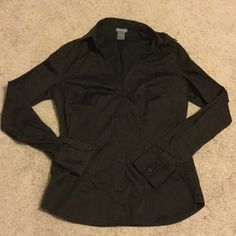 Sale! Nice Ann Taylor work shirt! Dark brown V neck form fitting button down shirt in like new condition. Size 4. Ann Taylor Tops Button Down Shirts