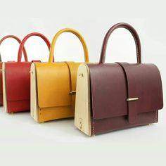 La Ninetta Sac en bois et cuir Création Damien Béal Leather wood /wood bag www.damienbeal.fr