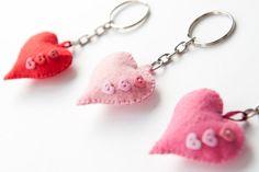 Heart Valentines Day Felt Keychain by CranberriesKnot on Etsy, €4.00
