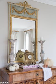 Are you looking to update a French style living room but don't want to spend a fortune? Here are 4 steps to a transformed room. ----- #designthusiasm #neutrallivingroom #frenchcountrydecorating #cottagedecor #frenchcountrydecor #decoratingonabudget #frenchdecoratingideas #frenchdecor #livingroomdecor #livingroomideas #familyroomdecor #livingroomdecorideas #frenchcountrylivingroom #farmhouselivingroom #familyroomideas #familyroomdecorating