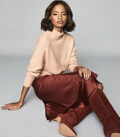 The Sam roll neck jumper in nude is one of those soft and cosy pieces that you'll find yourself wearing through the transitional months and into winter. It features a subtle ribbed-knit design across the cuffs, shoulders and neckline. Effortlessly style yours with cropped straight-leg trousers and ankle boots.   * Roll neck  * Ribbed knit detailing  * Long sleeves  * Relaxed fit New Outfits, Trendy Outfits, Fashion Outfits, Roll Neck Jumpers, Knitwear Fashion, Cropped Cardigan, Knit Skirt, Jumpers For Women, Reiss