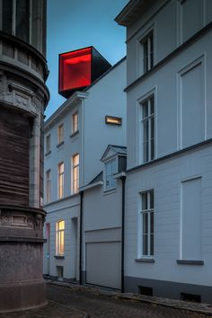 room on the roof: collective housing in brioolstraat by CAAN architecten...like the contrast in both form and colour