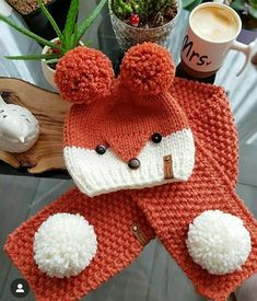 Beanie Knitting Patterns Free, Baby Hats Knitting, Knitting For Kids, Crochet Patterns, Childrens Crochet Hats, Crochet Kids Hats, Crochet Wrist Warmers, Crochet Baby Sweaters, Beginner Crochet Tutorial