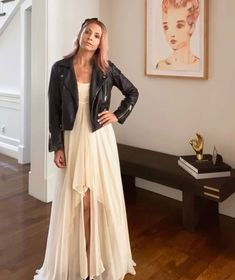 Sarah Michelle Gellar in Her Buffy the Vampire Slayer Prom Dress Is Just What My Friday Asked For Celebrity Moms, Celebrity Style, Michelle Instagram, Sarah Michelle Gellar Buffy, Buffy Summers, Special Dresses, White Chiffon, Wedding Art, Buffy The Vampire Slayer