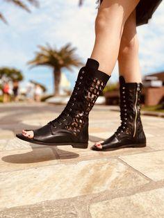 Sandali a Stivaletto Donna Neri Infradito con Zip Made in Italy - KikkiLine Black Boots, Combat Boots, Booty, Ankle, Shoes, Fashion, Moda, Swag, Zapatos