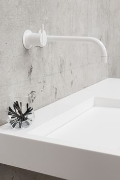 Should you have any special requests in terms of size, colour or configuration, use our Made to Measure solution. And the best thing is: it doesn't cost more. Shower Fittings, Shower Taps, Bathroom Taps, White Bathroom, Bathrooms, New Bathroom Designs, Bathroom Interior Design, Bathroom Ideas, Duravit
