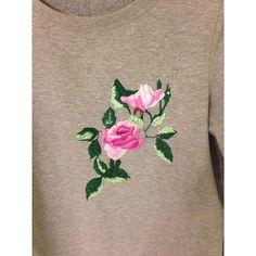 Ручная вышивка на свитшоте#вышивканаодежде #рукоделие #ручнаяработа #ручнаявышивкагладью #ручнаявышивка #embroidery #sweatshirtsdresess_for_u#свитшот
