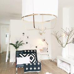 """""""Happy in my livingroom:) #white #wonen #witwonen #rom123 #roomforinspo #tipstilhjemmet #inredning #interiør #inredningdesign #inredningsdetaljer…"""""""
