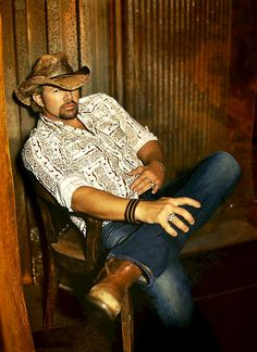 Toby Keith coyote acoustic concert kfc yum center 2014