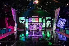 High quality Giant Boombox Prop With Lights - Black available to hire. View Giant Boombox Prop With Lights - Black details, dimensions and images. Debut Themes, Debut Ideas, Event Themes, Party Themes, Theme Ideas, Disco Theme, 80s Theme, Disco Party Decorations, Nightclub Design