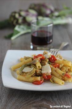 Pasta ai carciofi trifolati e pecorino un primo piatto vegetariano e ricco di sapore. I carciofi con il pecorino rappresentano un abbinamento perfetto