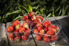 Grocery Store, Deli, Strawberry, Restaurant, Fruit, Food, Diner Restaurant, Essen, Strawberry Fruit