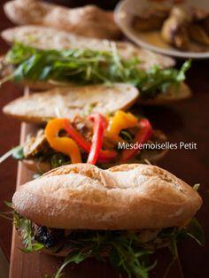 mini baguette sandwiches