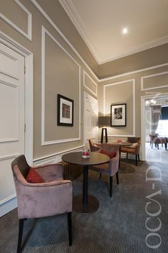 Crowne Plaza Hotel, Edinburgh Hotel, Club Lounge, Georgian Interior, Meeting Table, Hotel Interior Design, Taupe Interior, Neutral Interior, Traditional Interior, Red Accent Colour, Gold & Brass, Striped Carpet