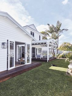 Inside a Hamptons inspired Sydney Northern Beaches home - Get In My Home