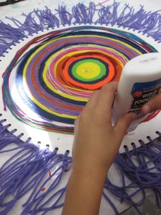 Painting with yarn (just love the mandalas)