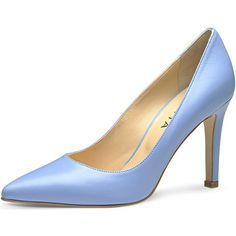 Handmade in Italy<br /> <br /> Für die selbstbewusste Lady, die hoch hinaus will: Der aufregende Lederpumps von Evita  passt nicht nur zum kleinen Schwarzen, sondern peppt auch Basic-Outfits auf wie Jeans und Blazer. Handgefertigt aus Italien sieht man dem guten Stück Stil und Qualität schon von weitem an. Perfetto! <br /> <br /> Evita - Leidenschaft für italienische Schuhe<br /> <br /> - Farbe : hellblau - Schuhe Damen 140,00 €