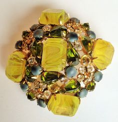SCHREINER BROOCH WITH YELLOW ART GLASS STONES! LOVE IT! OWN IT!