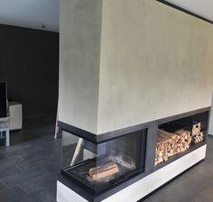 """Seit April vertreiben wir neben Béton Ciré auch die hochwertigen KalkMarmorputze der Firma Frescolori. Und hier das erste Projektfoto: Frescolori """"Marroc"""" - geglättet und wachspoliert, für eine herrlich glatte und samtige Oberfläche. Danke an www.krista.at #frescolori #adieutristesse #kalkmarmorputz #designoberflächen #betonlook #betonoptik #kaminverkleidung Sweet Home, Shed, Storage, Interior, Projects, Fireplaces, Furniture, Home Decor, Wood"""
